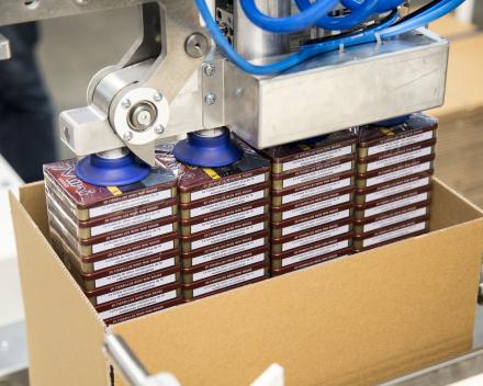 dozen vullen met een robot
