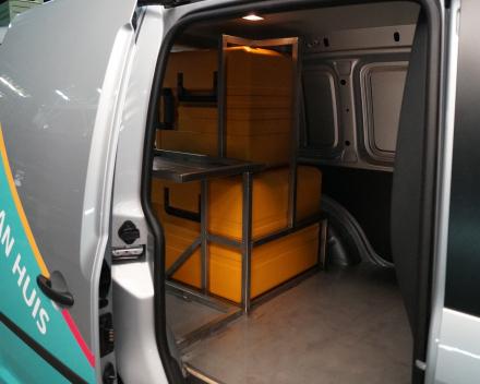 Lassen van inox constructies met toepassing indelen van camionette
